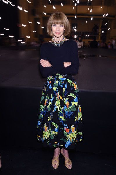 Anna Wintour Photos Photos - Anna Wintour attends the Marc Jacobs Spring 2017…