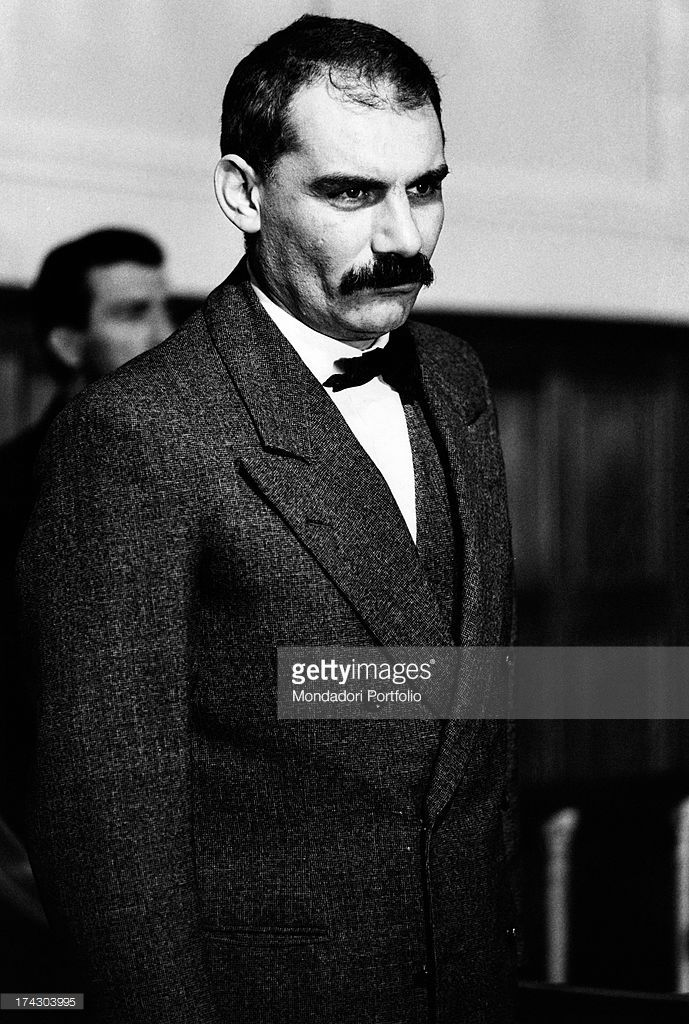 Italian actor Gian Maria Volontè interprets Bartolomeo Vanzetti, in the dock for the murder trial, in a scene from the movie Sacco & Vanzetti, directed by Giuliano Montaldo. Italy, 1970..