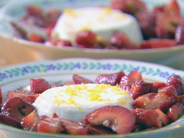 Panna cotta with balsamic strawberries recipe the Barefoot contessa recipes