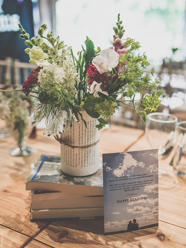 Book favours – literary wedding ideas #wedding #decorations