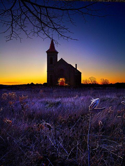 Sunrise Service |   http://www.flickr.com/photos/philkoch/with/6432406867/