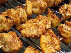 Brochettes de blancs de poulet marinés - Shish taouk - cuisine libanaise