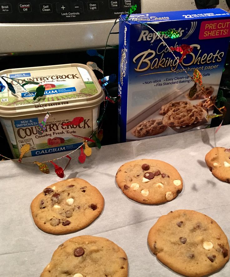 I LOVE These Reynolds Baking Sheets! Pre Cut To Fit Your Cookie Pan And