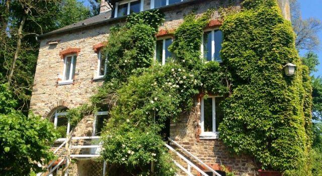 Chambres d Hôtes du Moulin du Vey - #BedandBreakfasts - $75 - #Hotels #France #Clécy http://www.justigo.com/hotels/france/clecy/le-moulin-du-vey_80343.html