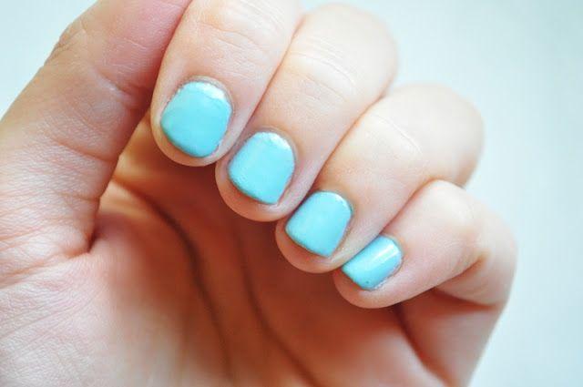 #manicure #mani #manioftheday #motd #nails #nailsoftheday #notd #paznokcie #naillacquer #nailpolish #lacquer #polish #nagellack #blue #essence #le #limitededition #sleepy #snowwhite