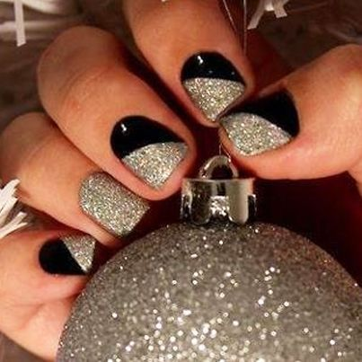 New Years Eve sparkly nail art ideas | For All Your Beauty Needs! #Nail_Art_Designs #Top_Nail_Art_Designs #Cute_Nail_Art_Designs