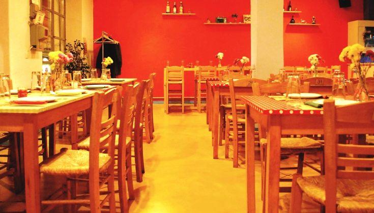 Ανανεωμένο, με την Μάρω Διακάτου να έχει πλέον την υψηλή εποπτεία του μενού, το γλυκό εστιατόριο των Πετραλώνων γίνεται πιο ενδιαφέρον από ποτέ και αξίζει να το μάθουν όλοι όσοι αγαπούν τις παραδοσιακές ελληνικές γεύσεις.