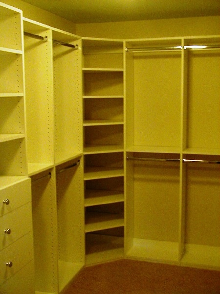 Interior and corner shelf idea for closet