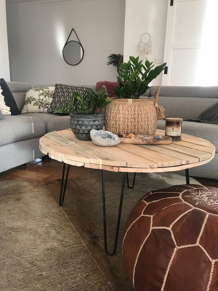 DIY round pallet coffee table with hairpin legs