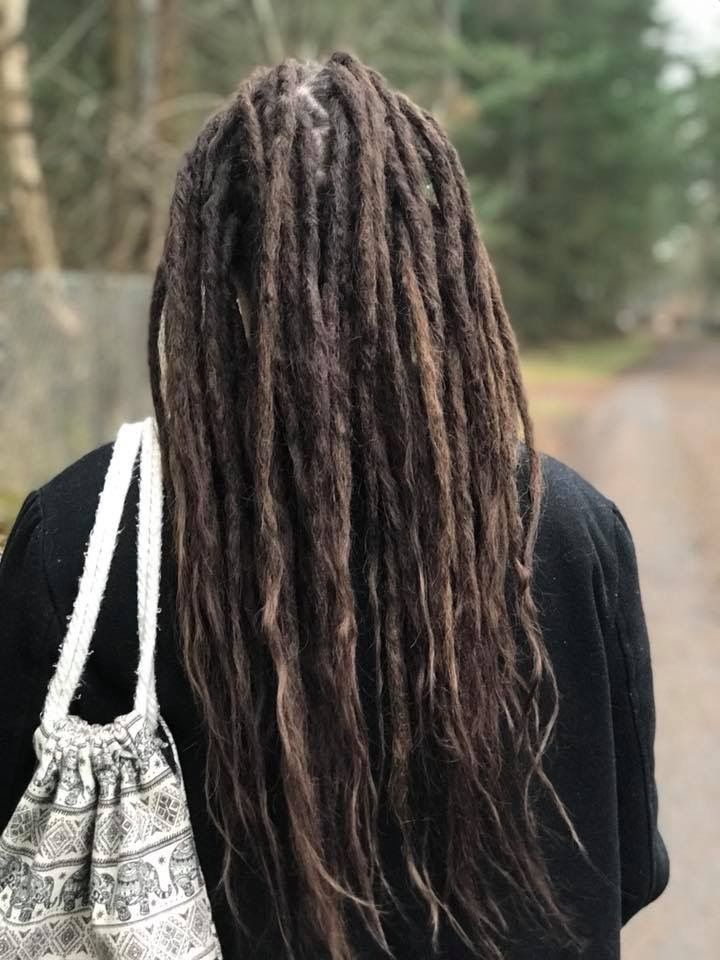 My students are working away on their hairmodels and are doing great work  Here is a photo of Linda's dreadlock model that she did dreadlocks with extensions on two months ago, the dreadlocks are forming nicely! I'm proud of you Linda  You can find her in Åhus in the South of Sweden.