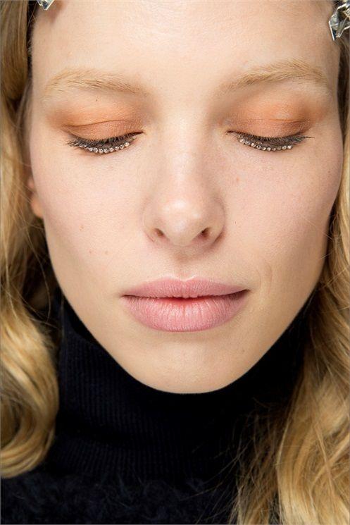 10 Fall Winter Lipsticks - Rosa Pallido