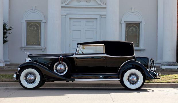 1933 Packard Super Eight Model 1004 Convertible Victoria.