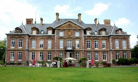 Huy : 1 à 2 nuits en chambre Supérieure avec bain à bulles, dîner en option, au Domaine du Château de la Neuville pour 2