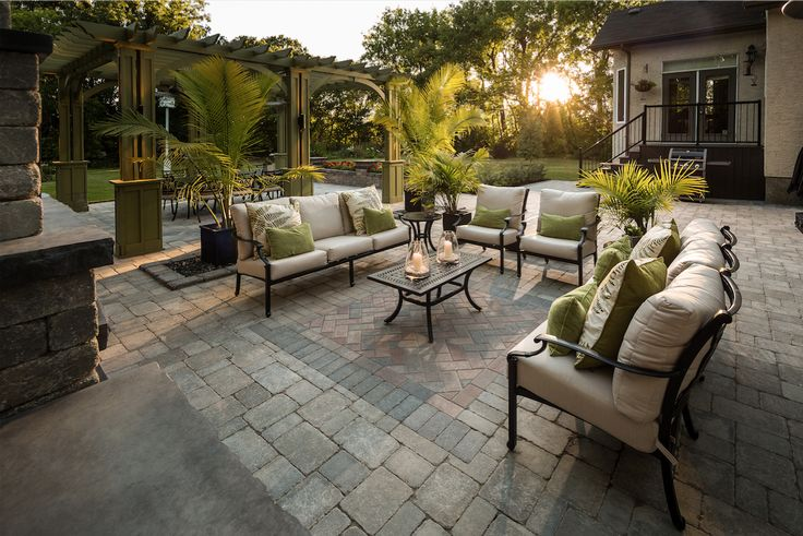 Outdoor style tips for a yard you'll never want to leave.