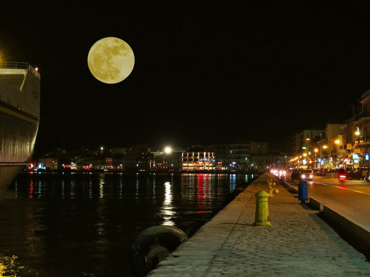 Chios island at night ~ Η Χίος τη νύχτα | Smile Greek