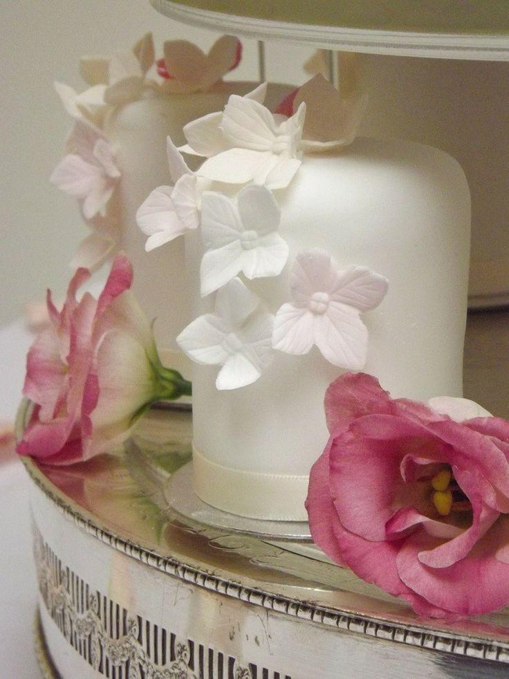 Floral Mini Cakes Amazing CupcakesBridal Shower