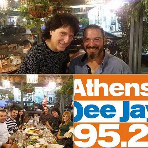 Καλημέρα σε όλους!  Να ευχαριστήσουμε θερμά όλοι την ομάδα του ραδιοφωνικού σταθμού Radio DJ 952 μαζί με τον Μιχάλη Τσαουσόπουλο τον πιο γνωστό μουσικό παραγωγό στην Ελλάδα που μας τίμησαν εχθές το βράδυ με την παρουσία τους στο κατάστημά μας!  Όπως μετράνε συνήθως για μεγάλα γεγονότα έτσι και εμείς μετράμε αντίστροφα για το μεγάλο μας πάρτυ που θα γίνει την Δευτέρα 14/11 και ώρα 19.30!  Τέσσερις και σήμερα με θετική ενέργεια !!