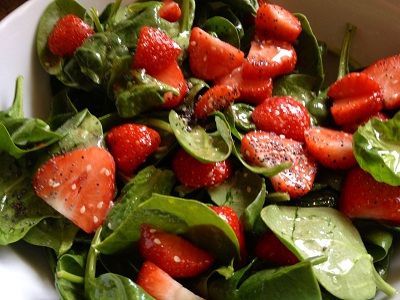 Sweet tooth salad (strawberry spinach salad): Spinach Salad, Sweet, Favorite Salad, Favorite Foods, Healthy Recipes, Delicious Recipes, Healthy Food, Favorite Recipes, Food Soups