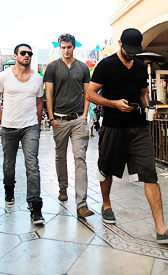 Ian Bohen, Daniel Sharman and Tyler Hoechlin... I never knew there could be do much hottness in one picture