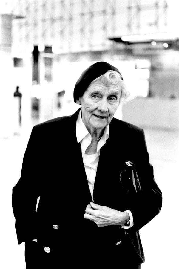 Astrid Lindgren, а знаменитой я бы стала вот так. писала бы детские книги, которые сначала придумывала для своих детей