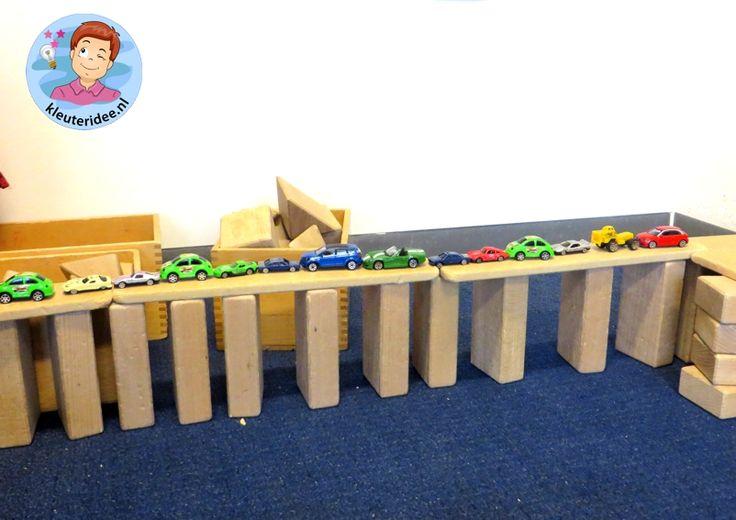 Veel verschillende bruggen bouwen met kleuters , kleuteridee