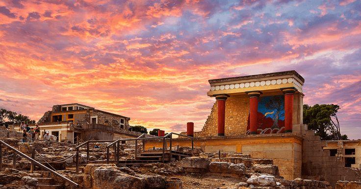 Έχει άλλη μαγεία να επισκέπτεσαι την Κνωσό τους «ήσυχους» μήνες της Άνοιξης, δεν συμφωνείτε;  #Minoan_escapes  Visiting the palace of Knossos during the less crowded Spring moths is its own kind of magic. ... Δείτε περισσότερα
