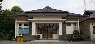 Berikut ini daftar alamat sekolah yang ada di Kabupaten Hulu Sungai Tengah Propinsi Kalimantan Selatan :  NO  SEKOLAH  ALAMAT  DESA  KECAMATAN  1  MIN BARABAI UTARA  JL. SARIGADING  BARABAI  2  MIN BAWAN  JL.BRIG. H.HASAN BASERI NO.08 BUKAT  BARABAI  3  MIN SUNGAI KALI  DESA SUNGAI KALI RT.07 NO.056  BARABAI  4  MIS AL-MIFTAH  JL. HEVEA RT.04 RW.02  BARABAI  5  MIS DARUL ULUM  JL.A.YANI NO.76 RT.05  BARABAI  6  MIS DARUN NAJAH  DS.KOLAM KANAN  BARABAI  7  MIS NURUL HUDA  HANDIL BARABAI RT.3…