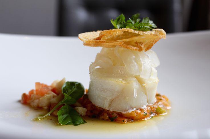 Kabeljauw, risotto, zoetzure venkel en vinaigrette Antiboise, Restaurant Hemingway in Bergen op Zoom.