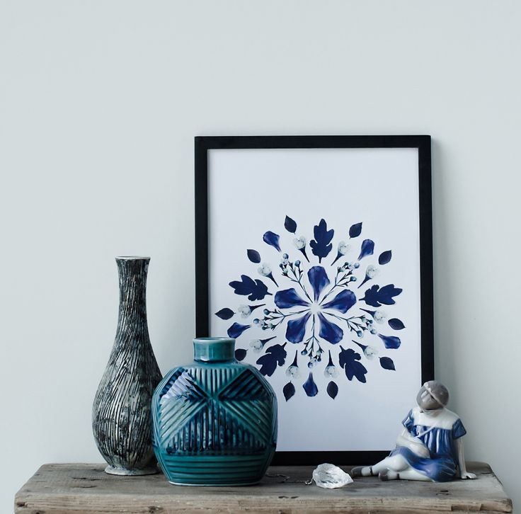 Create your own art and give your home a touch of Nordic botanic trend with free templates.