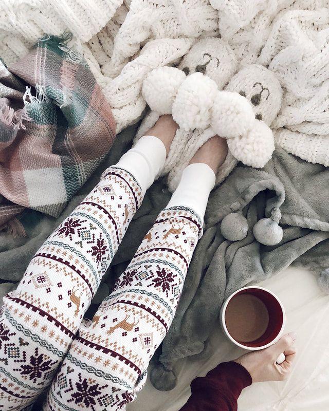 IG- @sunsetsandstilettos - #cozy pajamas #winter