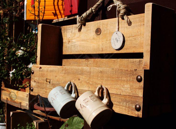 design artigianale - porta spezie fatto a mano con materiali di recupero - legno antico restaurato - design sicilia milano di ArtigianaSiciliana su Etsy https://www.etsy.com/it/listing/269268431/design-artigianale-porta-spezie-fatto-a