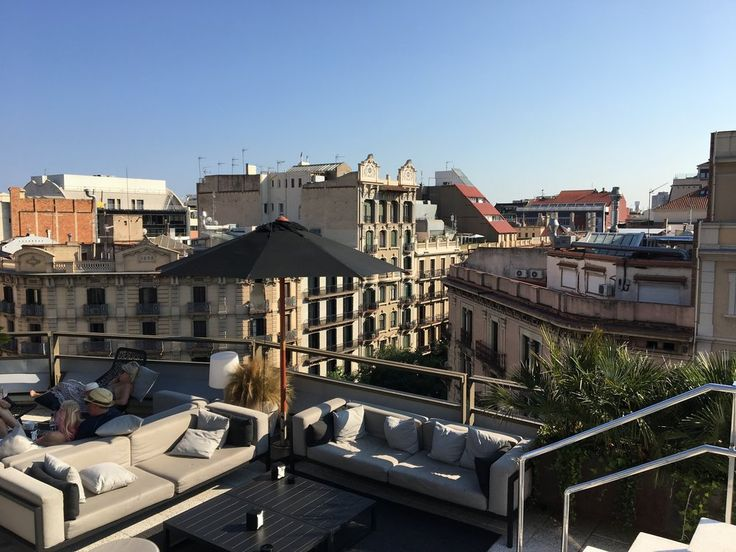 The best rooftop bar in all of Barcelona can be found at the stunning Hotel Claris.  Read our full review of this woderful spanish hotel.
