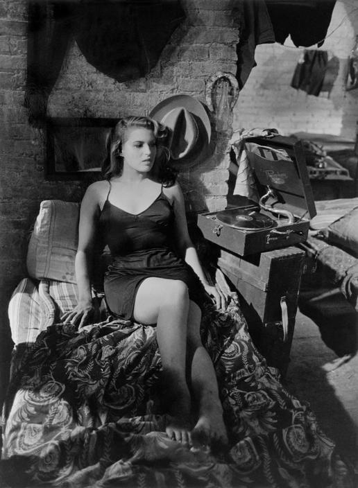 """Silvana Mangano in """"Riso Amaro"""" 1950 © Robert Capa"""