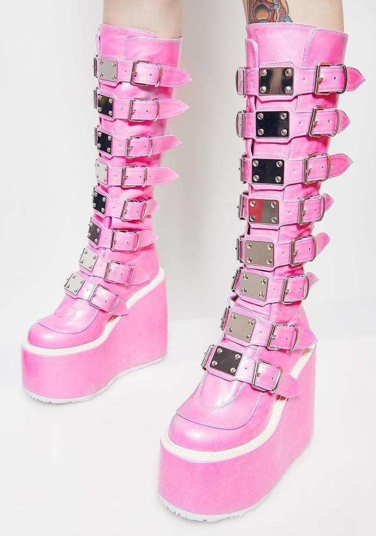 Pin By Wiki Wolf On ƥʀyeƭƭƴ ɩɲ ƥɩɲƙ Goth Shoes Kawaii Shoes Goth Boots