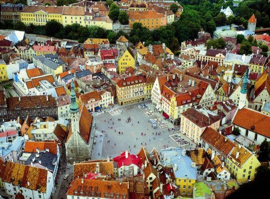 Town Hall Square - Tallin, Estonia