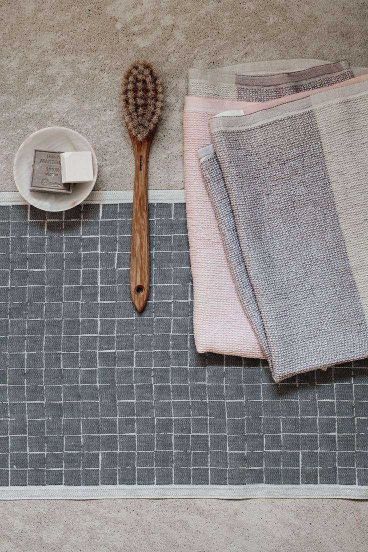 Lastu, design by Masaru Suzuki and Terva towels, woven in Finland by Lapuan Kankurit