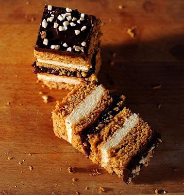 Honey cake with custard - Stefanka ciasto miodowe