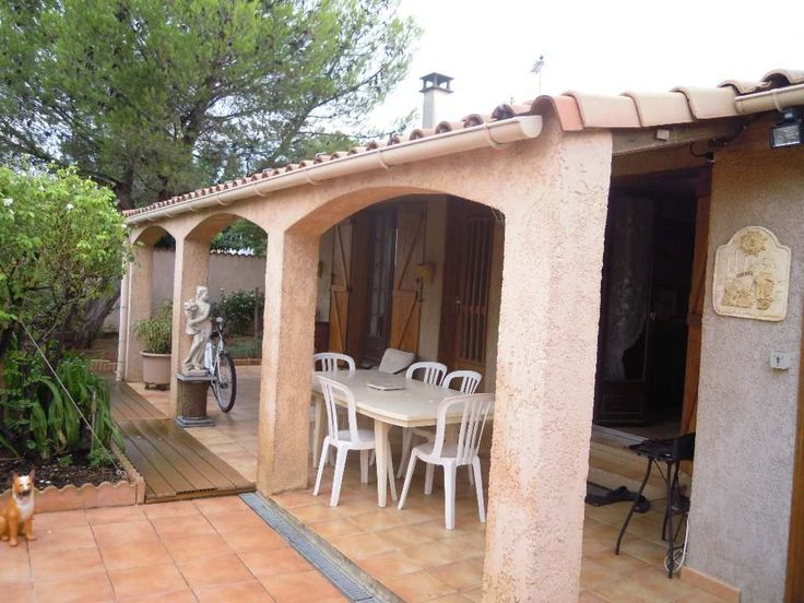 Sauvian Jolie Villa de plain pied avec 4 grandes Chambres (de 14 à 17 m²), Cuisine et cuisine d'été, sous sol avec salle de jeux, a voir chez cap sud immo Sérignan