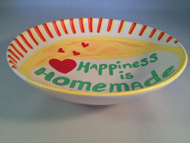 Unieke handgeschilderde schaal met de tekst 'Happiness is homemade': http://www.b-freshwebshop.com/a-40041915/kookcadeaus/unieke-handgeschilderde-schaal-met-de-tekst-happiness-is-homemade