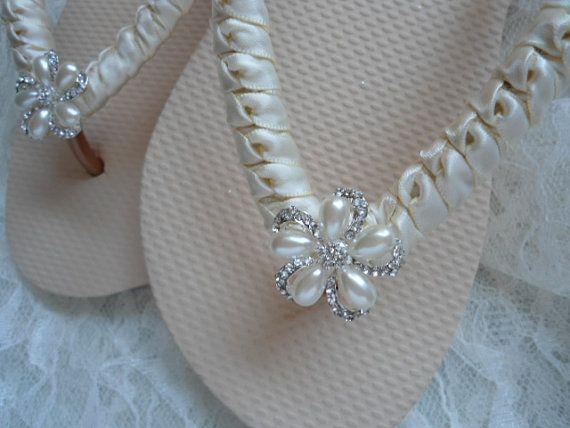 Ivory Bridal Flip Flops - Ivory Wedding Flip Flops - Beach Wedding Flip Flops - Ivory Beach Sandals - Bridesmaids Shoes - Ivory bridal shoes