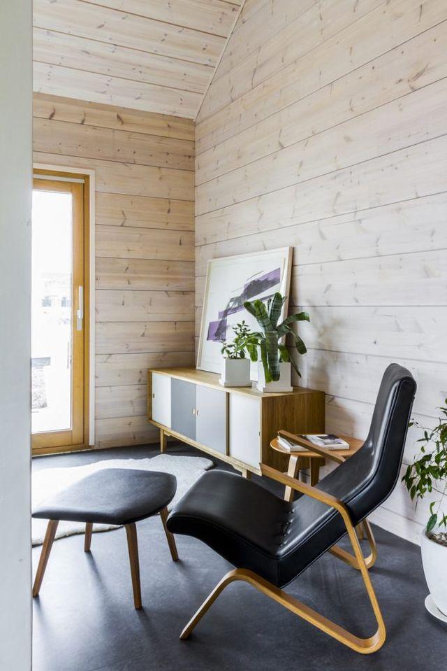 Feel the warmth of genuine wood. Honka log homes.