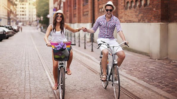 National Bike Month: Amor Es, Otra Mujer, Enamora De, Falls In Love, Otherwise, Spanish Quotes, El Amor, Photo Shooting, Es Alegria
