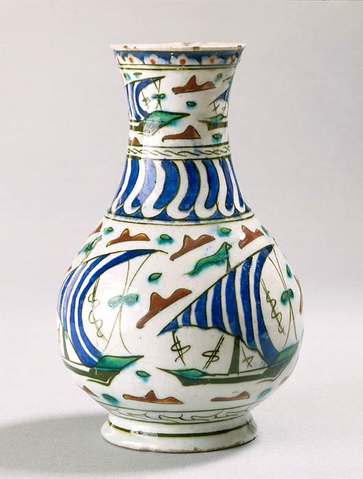 Jug with boatd Second half of 16th century Iznik, Turkey Fritware, painted underglaze slip decoration, transparent glaze