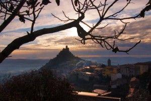 #Castelli della #Sardegna: Burgos e le sue leggende    il Castello di Burgos ha evocato nei secoli misteriose leggende secondo cui sarebbe la sede di un tesoro d'inestimabile valore.