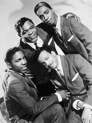 THE DRIFTERS long-lived American doo-wop and R / soul vocal group. The least stable of Rock 'n' Roll period groups, as they were low paid.
