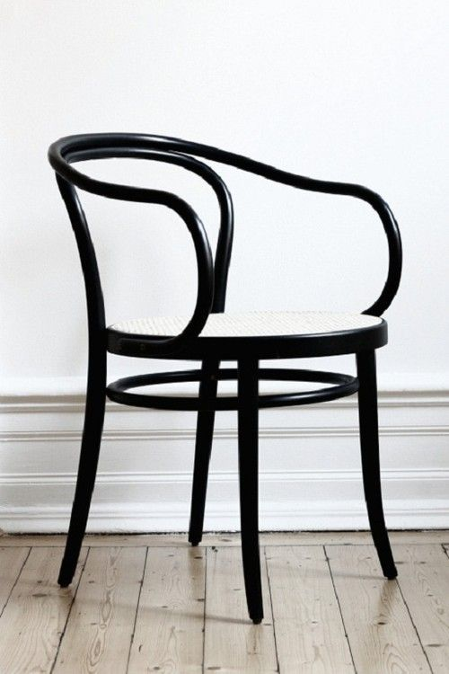 Thonet chair No. 30. Pinned by a Taste Setter: www.thetastesetters.com