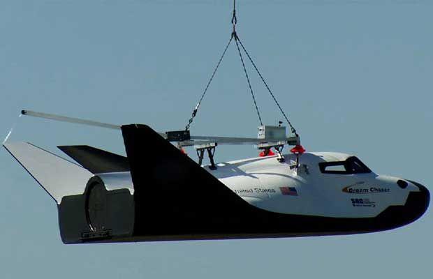Le vaisseau spatial (privé) Dream Chaser effectue son premier vol d'essai