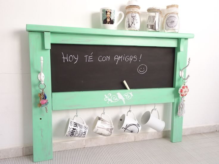 PIZARRA con porta tazas, $650 en https://ofeliafeliz.com.ar