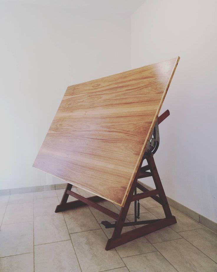 Tavolo da disegno in legno #restauro #drafttable #architecture #architecttable #laboratorio44 #design #interiordesign #interior #vintage