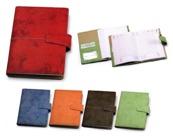 Agenda 20114 in balacron con effetto marmo  con chiusura a clip magnetico